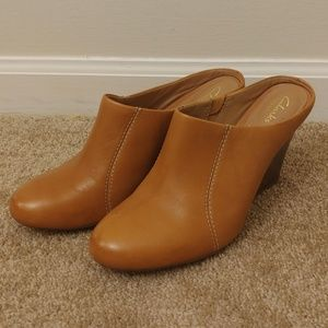 Clarks Artisan Brown Leather Closed Toe Wedge Shoe